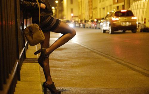 """Nghề """"mại dâm"""" bắt nguồn từ đâu? tác hại của mại dâm."""